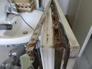 alte und verrostete Fenstermechanik – defekte Fenstergetriebe